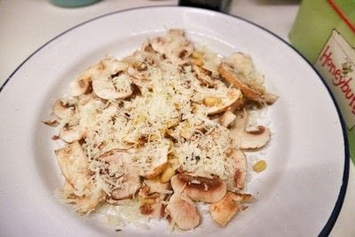 How to make a salad. Raw Mushroom & Manchego Salad - Step 5