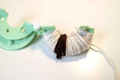 How to make a pom poms. Princess Leia Pom Pom - Step 4