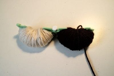 How to make a pom poms. Princess Leia Pom Pom - Step 6