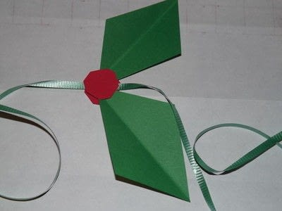 How to make a garland. Easy Paper Holiday Garland : Holly - Step 11
