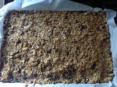 How to bake a flapjack. Christmas Mincemeat Flapjacks  - Step 4