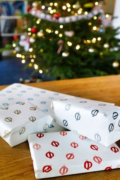 How to make gift wrap. Hand Stamped Wrapping Paper - Step 7
