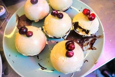 How to make a chocolate pudding. Christmas Pudding Mousse Bombe - Step 16