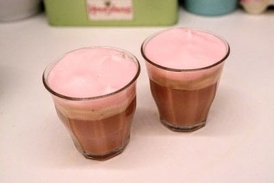 How to make a coffee. Pink Rose Latte - Step 5