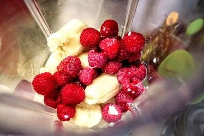 How to make a breakfast / cereal. Mermaid Smoothie Bowls - Step 5