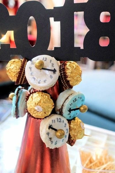How to make decorative tablewear. Macaron Clock Tower - Step 10