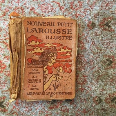 How to make wallpaper / a wall painting. Decoupage A Wall With Vintage Book Pages - Step 1