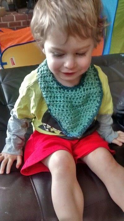 How to make a baby bib. Crochet Bulky Bib Tutorial - Step 4
