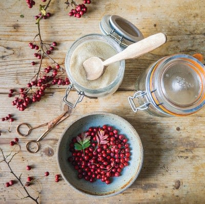 How to mix an alcohol. Hawthorn Gin - Step 1