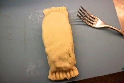How to bake a pie. Chicken Pesto Pockets - Step 5