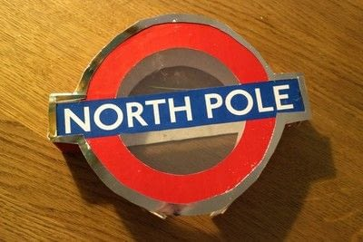How to make a Christmas tree ornament. London Underground Roundel Tree Topper - Step 11