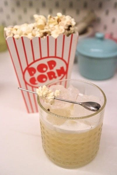 How to mix a Whiskey Sour. Popcorn Sour - Step 8