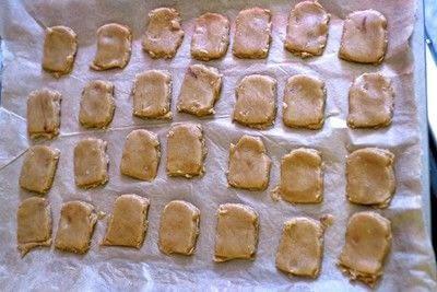 How to bake a sandwich cookie. Paddington Bear Marmalade Sandwich Cookies - Step 7