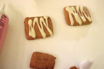 How to bake a gingerbread cookie. Mini Gingerbread Houses - Step 12