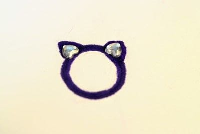 How to make a plastic ring. Cat Ear Ring - Step 4