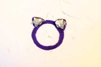 How to make a plastic ring. Cat Ear Ring - Step 8