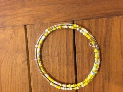 How to make a memory wire bracelet. Seed Bead Memory Wire Bracelet - Step 3
