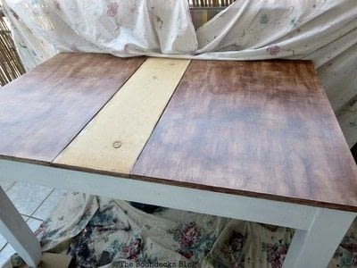 How to make a painted table. Upcycling An Old Laminate Table With Gel Stain - Step 3