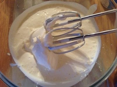 How to bake a meringue. Strawberry Pavlova  - Step 6