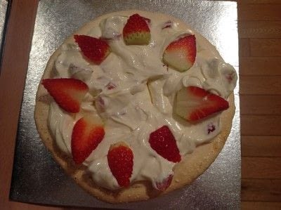 How to bake a meringue. Strawberry Pavlova  - Step 9