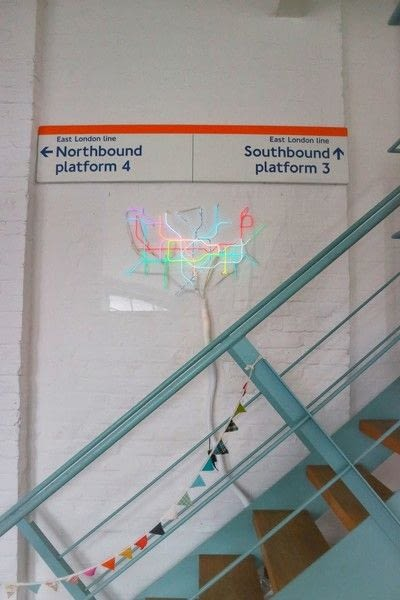 How to make a decorative light. Light Up London Underground Map - Step 36
