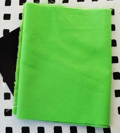 How to make a patchwork quilt. Minecraft Creeper Quilt Block - Step 1