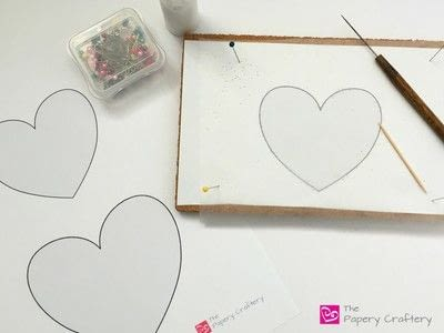 How to make a paper flower. Flowers And Vines Heart - Step 1