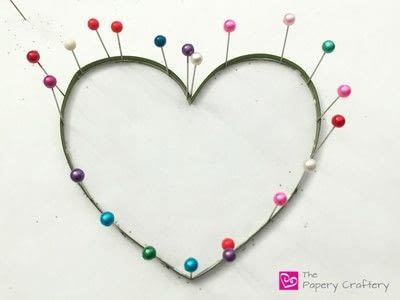 How to make a paper flower. Flowers And Vines Heart - Step 2