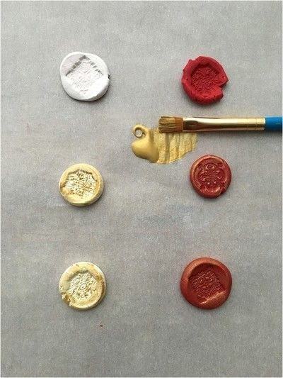How to make a techniques. Faux Wax Seals - Step 4