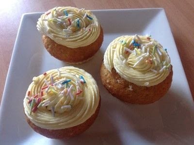 How to bake a vanilla cake. Sprinkle Cupcakes  - Step 6