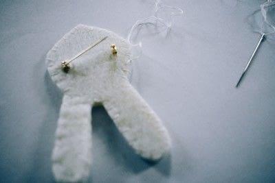 How to felt a felted brooch. Felt Bunny Pin - Step 4