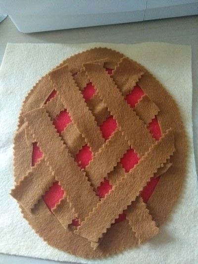 How to make a play book. Pie Weaving Quiet Book Page - Step 3