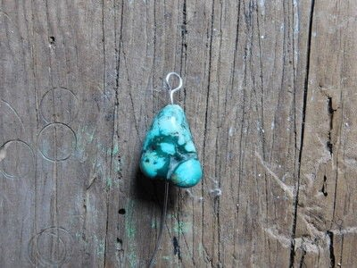 How to make a dangle earring. Wire Wrap Turquoise Earrings - Step 2