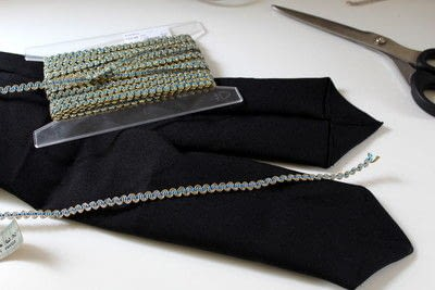 How to make an accessory. DIY Hairband And Waist Belt - Step 3