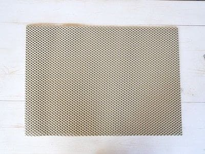 How to make a mat/rug. How To Make A Pom Pom Rug - Step 1