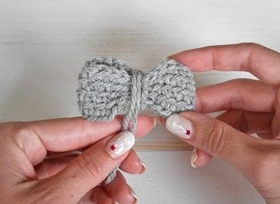 How to make a hair bow. Easy Crochet Bow Pattern - Step 3