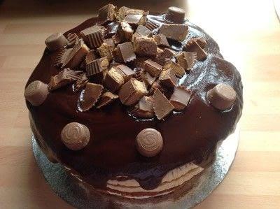 How to bake an ice cream cake. Vanilla & Peanut Butter Icecream Cake - Step 15