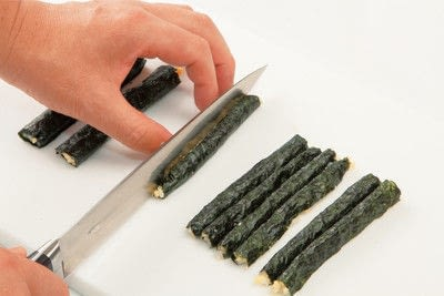 How to make a sushi roll. Sushi Sunflower Rolls - Step 7