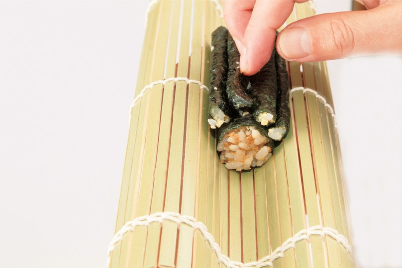 how to make sushi rolls step by step