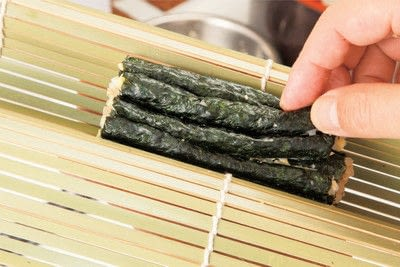 How to make a sushi roll. Sushi Sunflower Rolls - Step 10