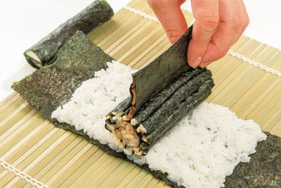 How to make a sushi roll. Sushi Sunflower Rolls - Step 17