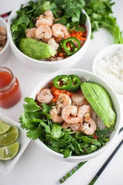 How to make a salad. Spicy Vietnamese Salad With Garlicky Shrimp - Step 4