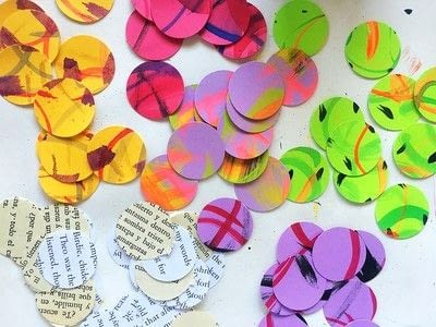 How to make a set of paper earrings. Baubble Origami Earrings - Step 2