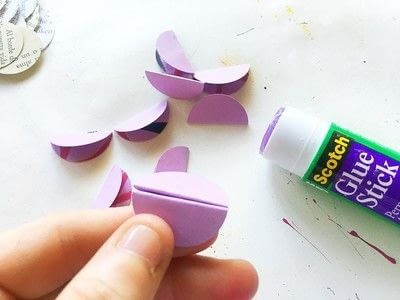 How to make a set of paper earrings. Baubble Origami Earrings - Step 4