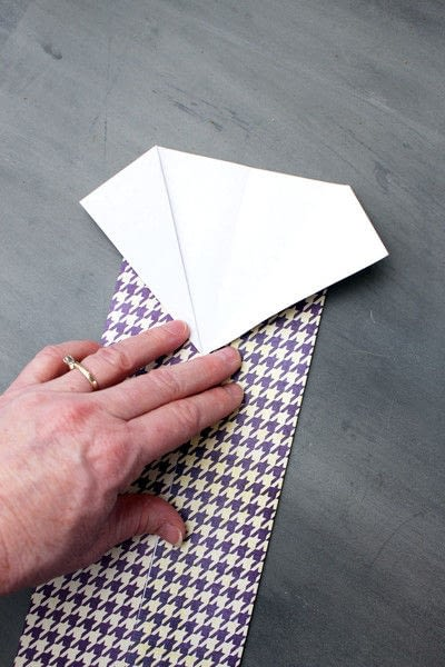How to fold an origami card. Origami Shirt Father's Day Card - Step 5