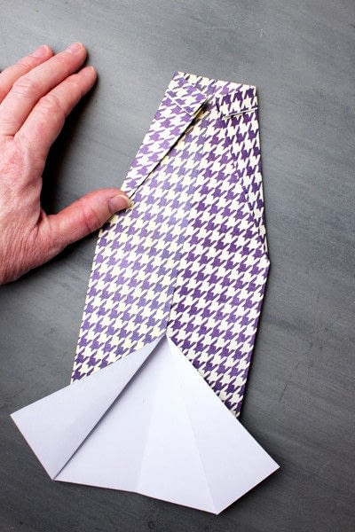 How to fold an origami card. Origami Shirt Father's Day Card - Step 7