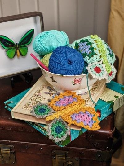 How to crochet a granny square blanket. Butterfly Throw - Step 9