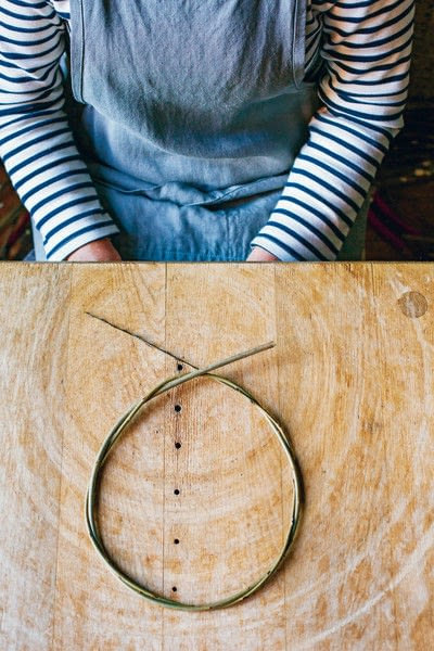How to make a branch & twig wreath. Willow Wreath - Step 3