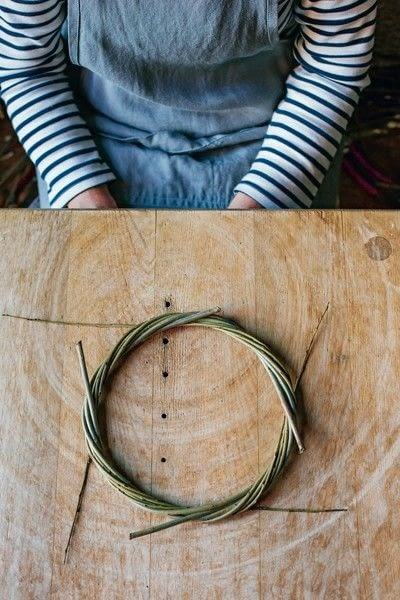How to make a branch & twig wreath. Willow Wreath - Step 5