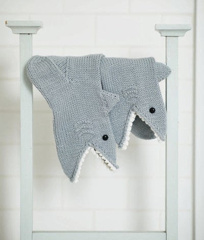 How to make a sock. Shark Socks - Step 8